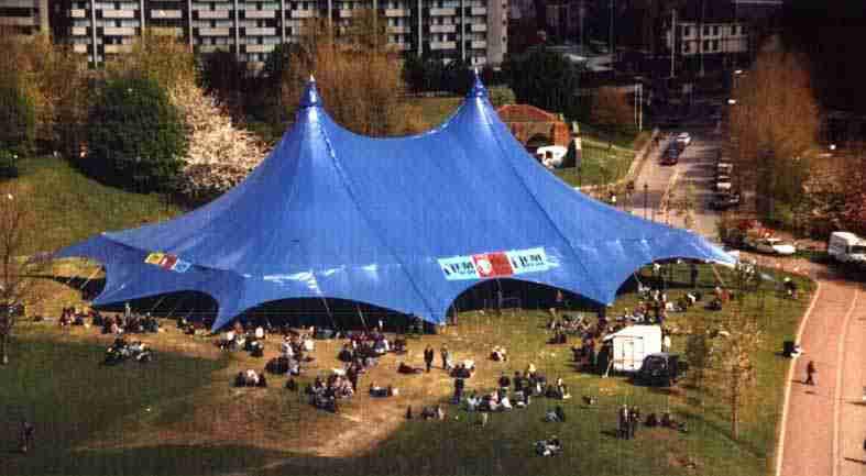 radiohead_tent