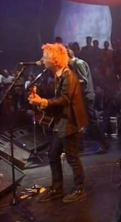 1995, Fake Plastic Trees @ Jools Holland, une ou deux pédales